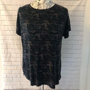 💜H by Bordeaux brown camouflage tee shirt top
